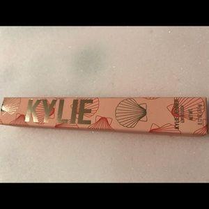 Kylie Cosmetics Makeup - Kyle Cosmetics - Boss Bay / Lip Blush